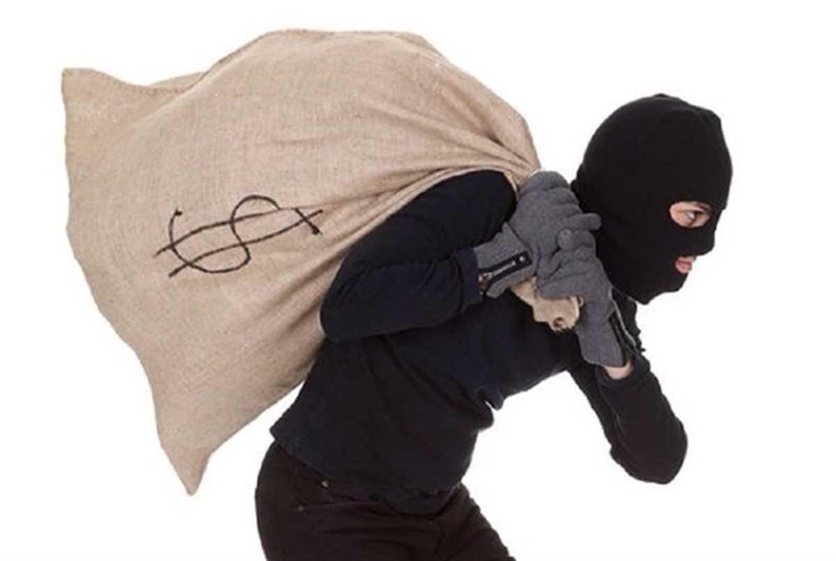 Мошенник украл деньги